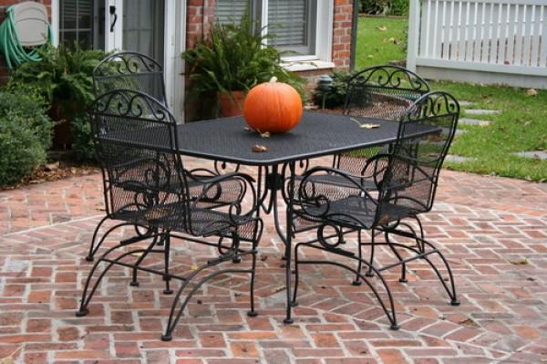 wrought-iron-furniture-e1349949287555