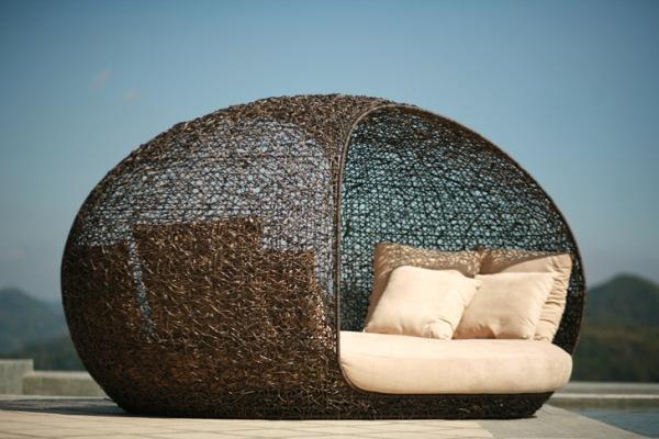 Плетеная-садовая-мебель