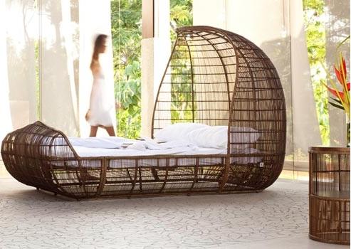 кровать ротанг